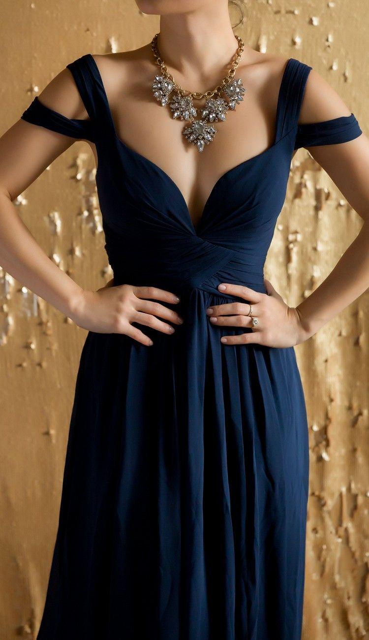 Navy off shoulder gown @Lulusdotcom #lovelulus