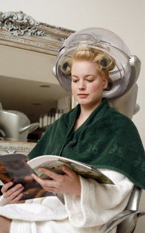 jeune femme sous le casque   Rollers   Pinterest   Salons ...