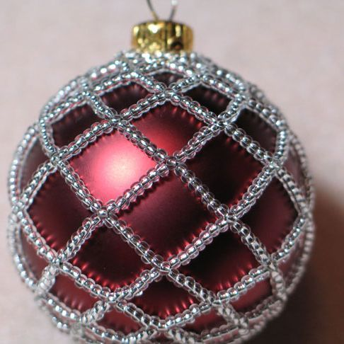 Free Beaded Christmas Ornament Patterns | Beaded Ornament Cover |  JewelryLessons.com - Free Beaded Christmas Ornament Patterns Beaded Ornament Cover