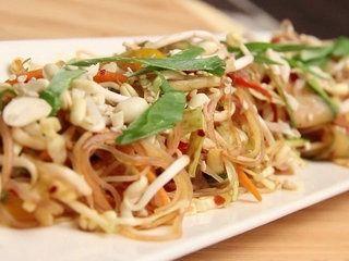 Raw Papaya & Noodle #Salad   #Vegetarian   #Recipe: Raw Papaya And Noodle Salad INGREDIENTS- shredded cabbage shredded carrots shredded…