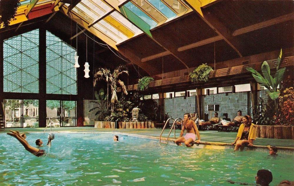 Minneapolis minnesota curtis hotelindoor tropical pool