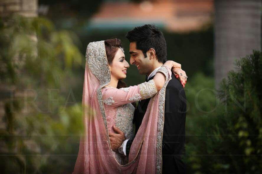 Pakistani Bride And Groom Pakistani Wedding Pakistani Style Follow Me Here Mrzeshan Sadiq Pakistani Wedding Photography Bridal Photography Wedding Poses