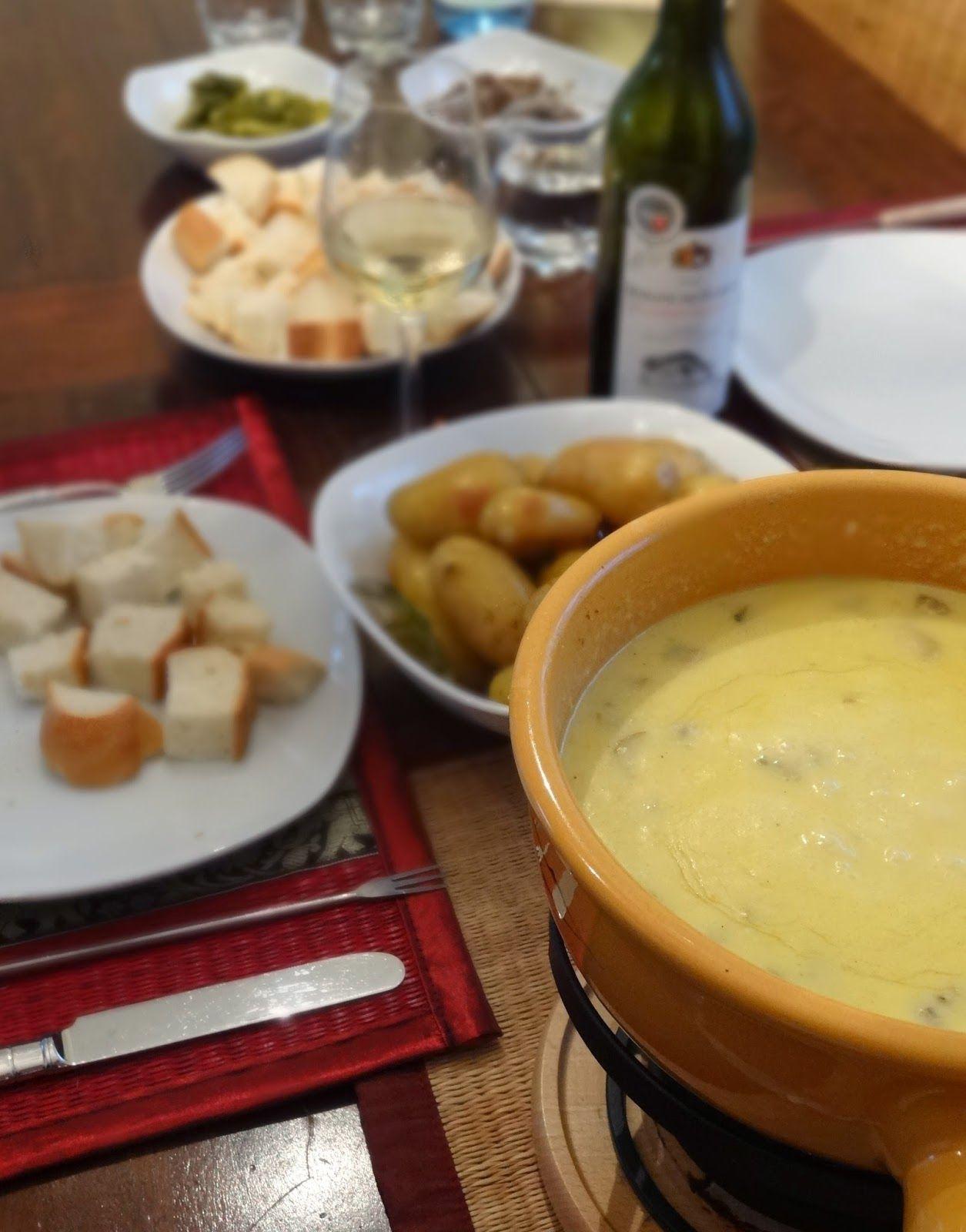 teufels k che h llisch gut schweizer k sefondue food pinterest fondue essen and dressings. Black Bedroom Furniture Sets. Home Design Ideas