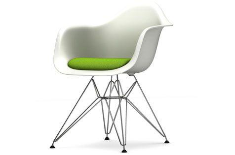 EAS DAR Eames Plastic Armchair