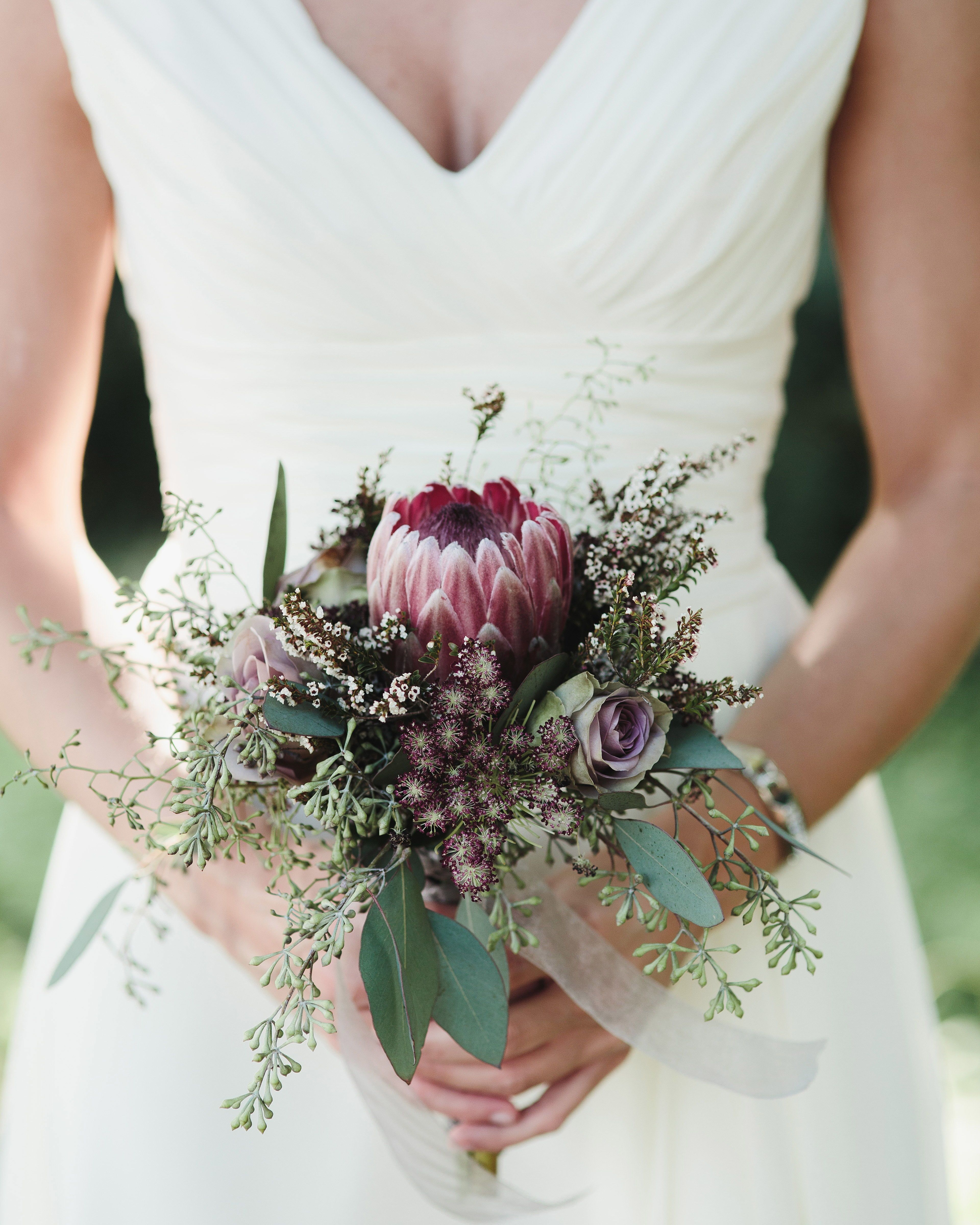 22 Petite Wedding Bouquets That Make A Big Statement Protea Wedding Small Wedding Bouquets Simple Bridal Bouquets