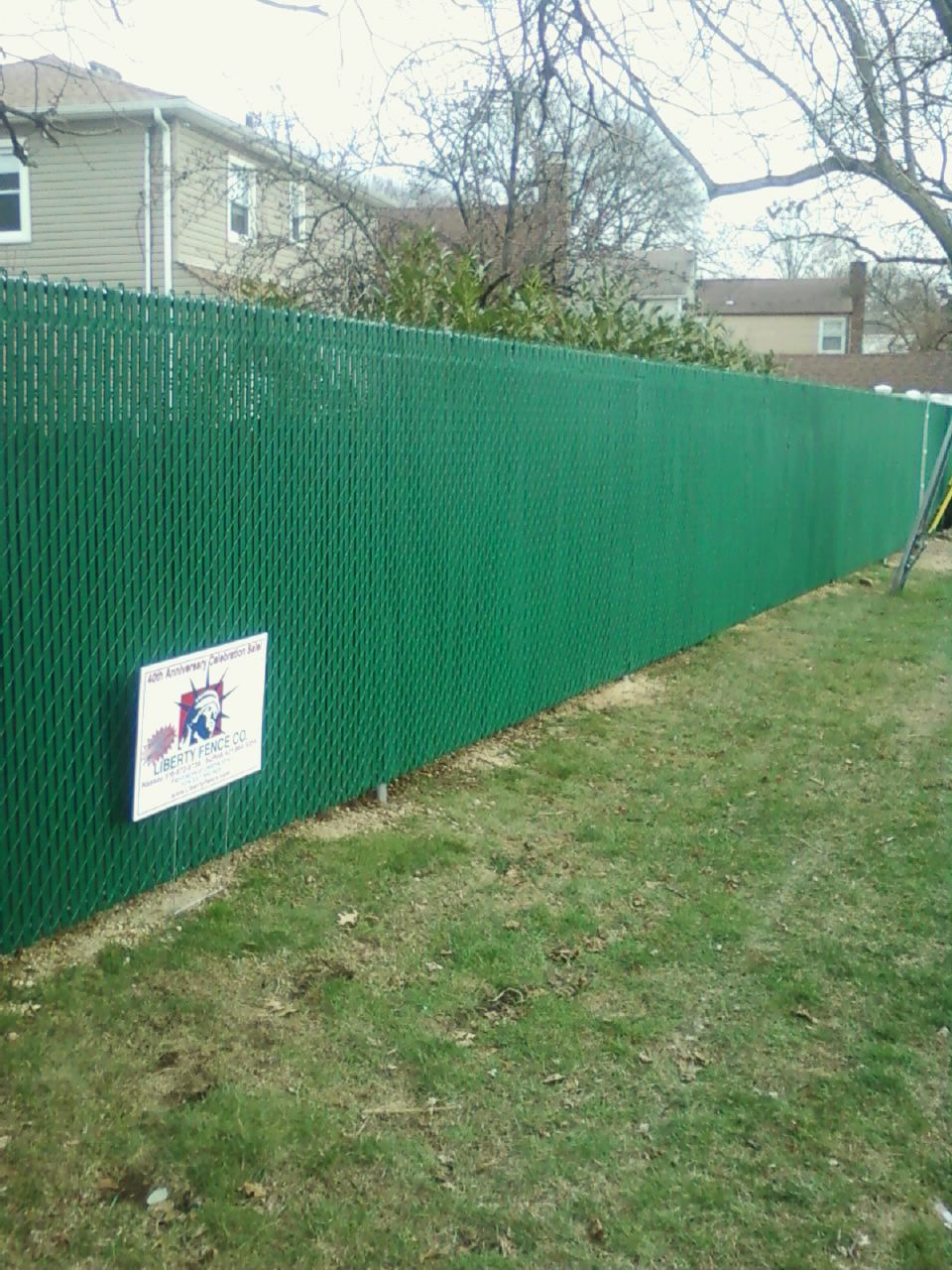 Liberty Fence Railing Installed 2 000 Feet Of 6 Ft High Green Vinyl Coated Chain Link With Pvt Privacy Slats On Tennessee Street For The