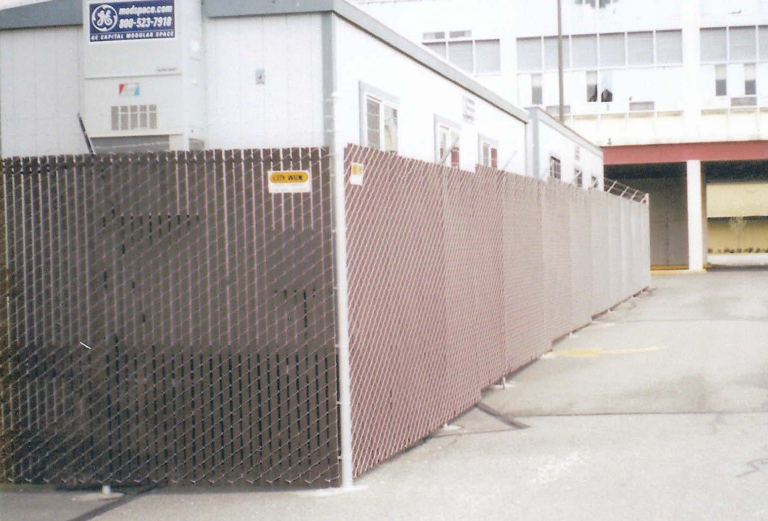 Brown Viewguard City Wide Fence 206 763 8282 Fence Chainlink Chainlinkfence Fencecompany Seattlefence Lynnwoodf Kirklands Vinyl Fence Chain Link Fence