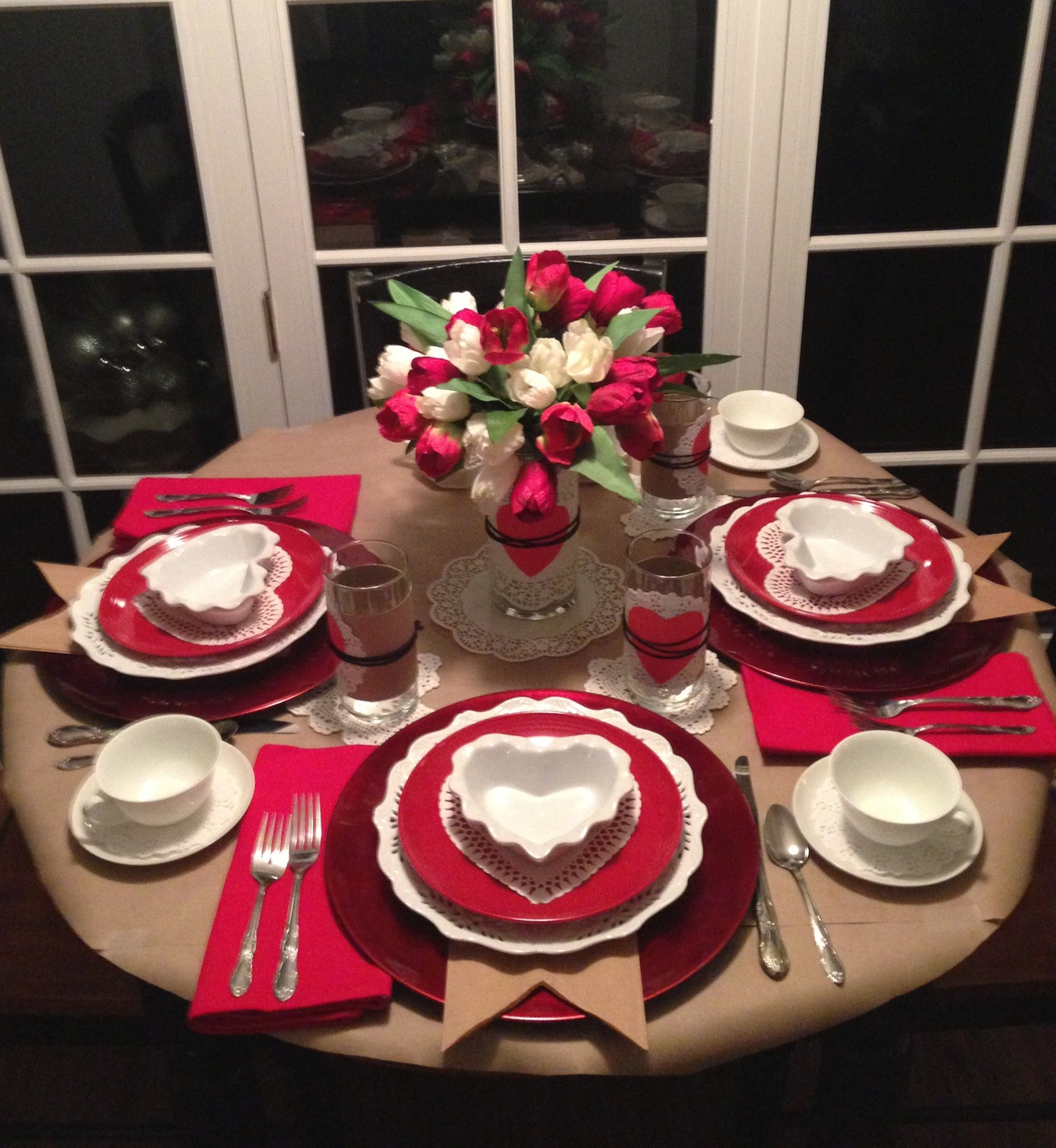 Valentine table setting valentine ideas valentine 39 s day for Decoracion san valentin pinterest