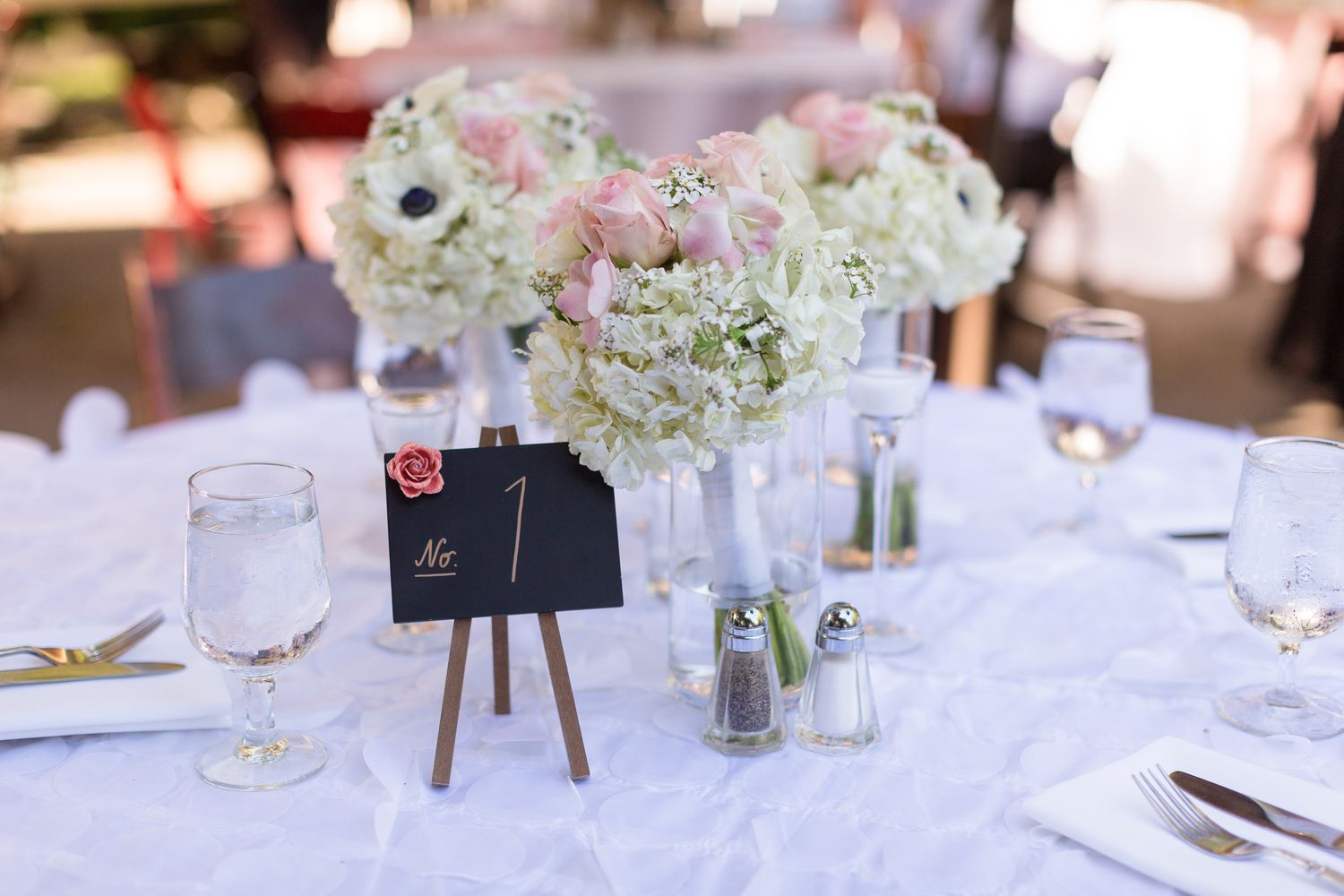 Reception Table Decor Pink and White Flowers | Glen-Ellen-Jack-London-State-Park-Wedding-Photographer-TréCreative