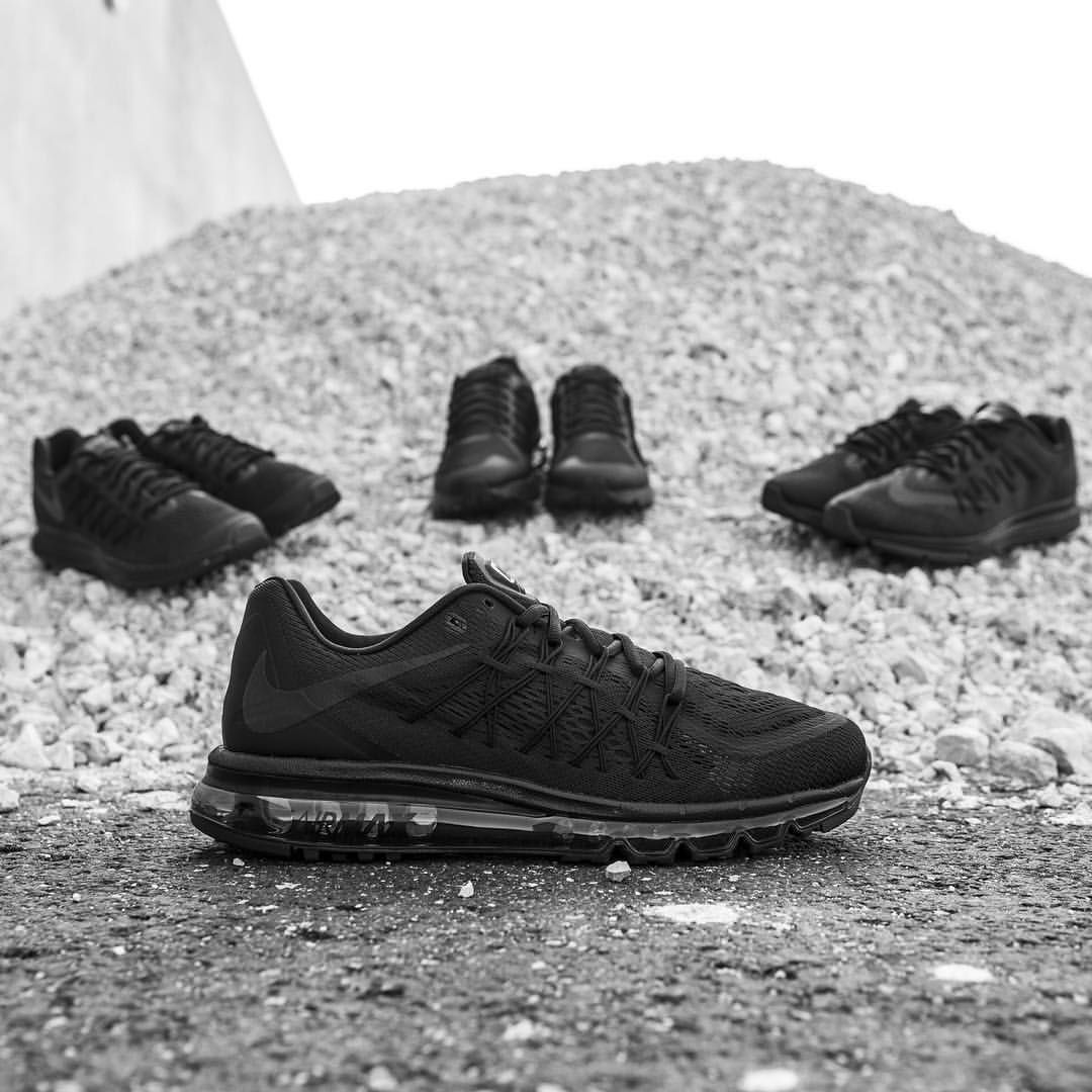 lowest price e69e7 ff874 Nike Air Max 2015 Triple Black---want silver or white swoosh .