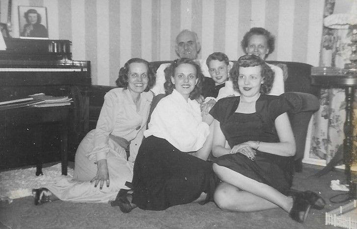 """The Bruner Family: Harold Foster Bruner (1899-2001), Gretchen Elizabeth """"Gertrude"""" Blake Bruner (1903-1983), Ardella Berneice Bruner Pazics (1922-1996), Gertrude Parricia Bruner Davis (1923-2007), Harold Carson Bruner (1936-2014) and Harriet Dolores Bruner Metzger (1925-1979)"""