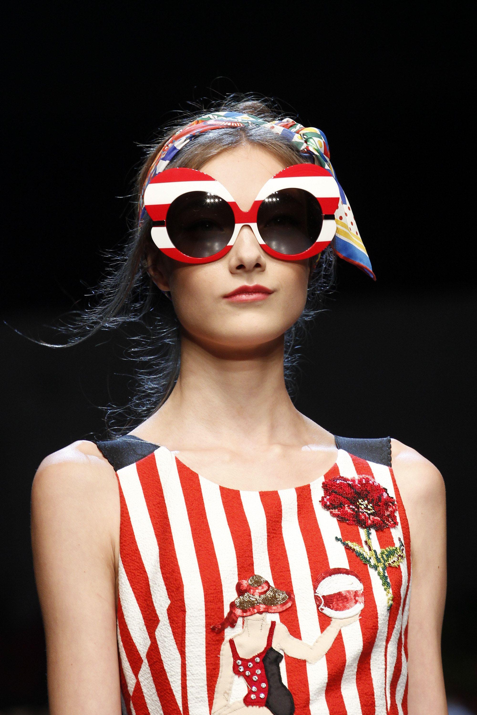 da64132208a Dolce   Gabbana Spring 2016 Ready-to-Wear Collection Photos - Vogue 21 23