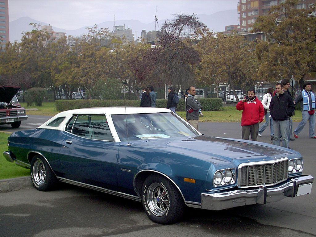 My second car 1977 ford gran torino 302 automatic