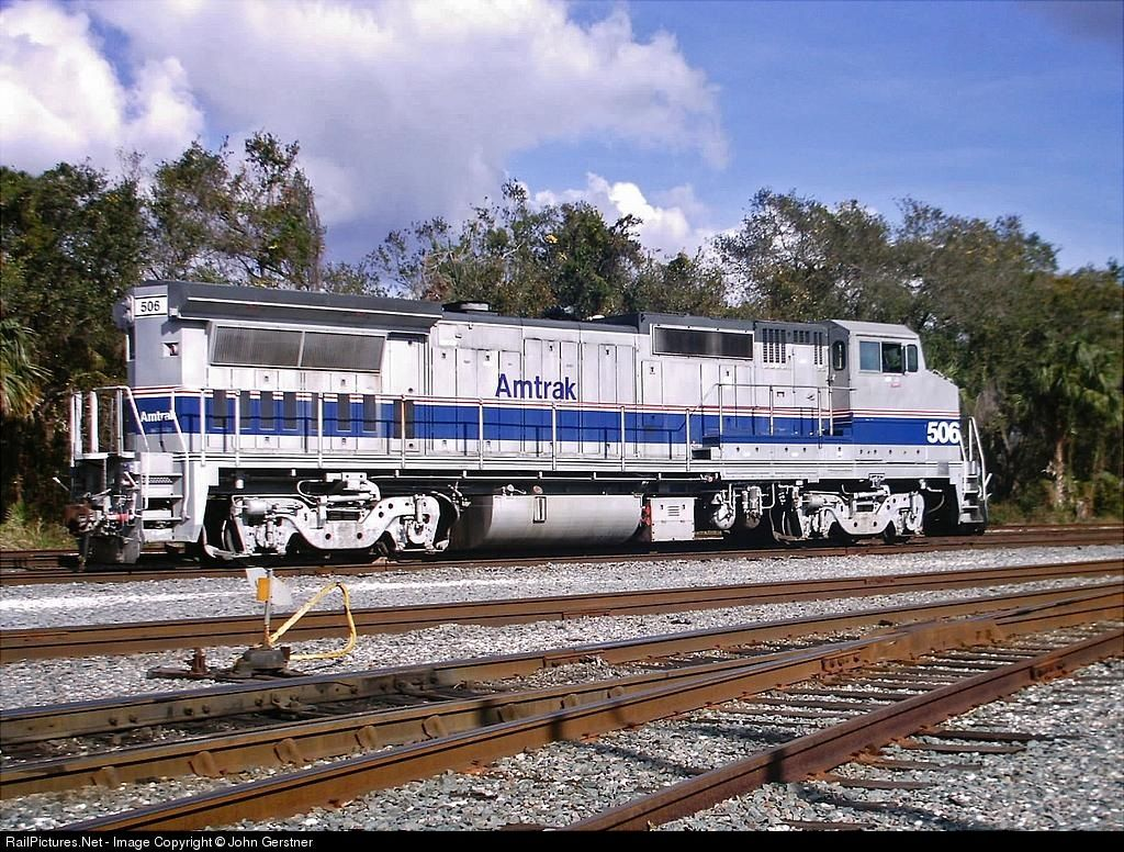 Photo AMTK 506 Amtrak GE P32BHW at