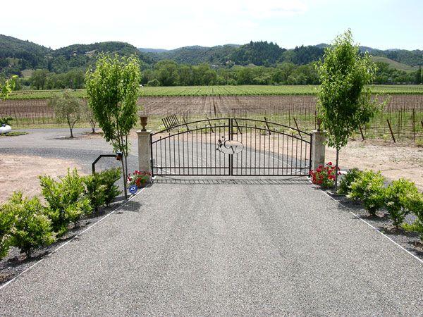 01-Vineyard-Steel-Gate-Healdsburg.jpg (600×450)