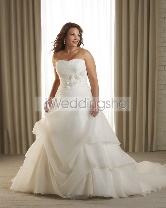 Elegant A-Line Strapless Chapel Train Ruched Plus Size Wedding Dress ...