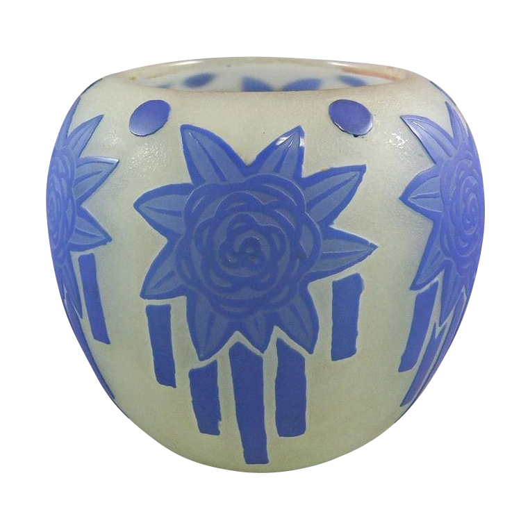 STEUBEN Cameo Vase 6078 with Sherwood Art Deco Acid Cut Back Decoration. Six art deco French blue flower blossoms with trailing ribbons encircle the textured Alabaster glass ground. The Alabaster glass has a slight greenish tint. (hva)