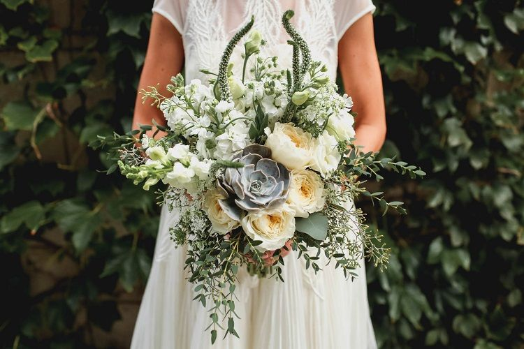 White and ivory wedding flowers + succulent for bridal bouquet | fabmood.com #rooftopwedding #shortweddingdress #weddingdress #bluepumps #blueshoes #bride