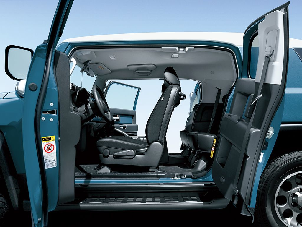 Toyota Fj Cruiser Toyota Pricelist Philippines Toyota Fj Cruiser Fj Cruiser Cruisers