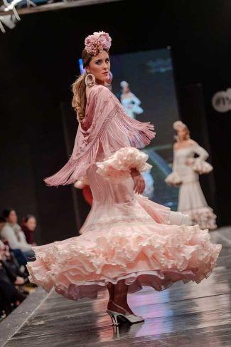 Traje de Flamenca - Faly-Feria-al-Rocio - Pasarela-Flamenca-Jerez-2016