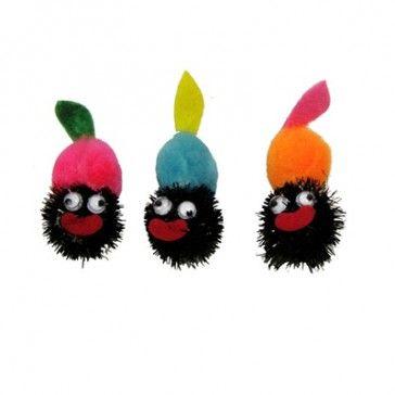 Leuke plakdecoratie schele zwarte piet voor de decoratie van uw sinterklaas cadeautjes.   http://www.decoma.nl/plakdecoratie-schele-zwarte-piet.html