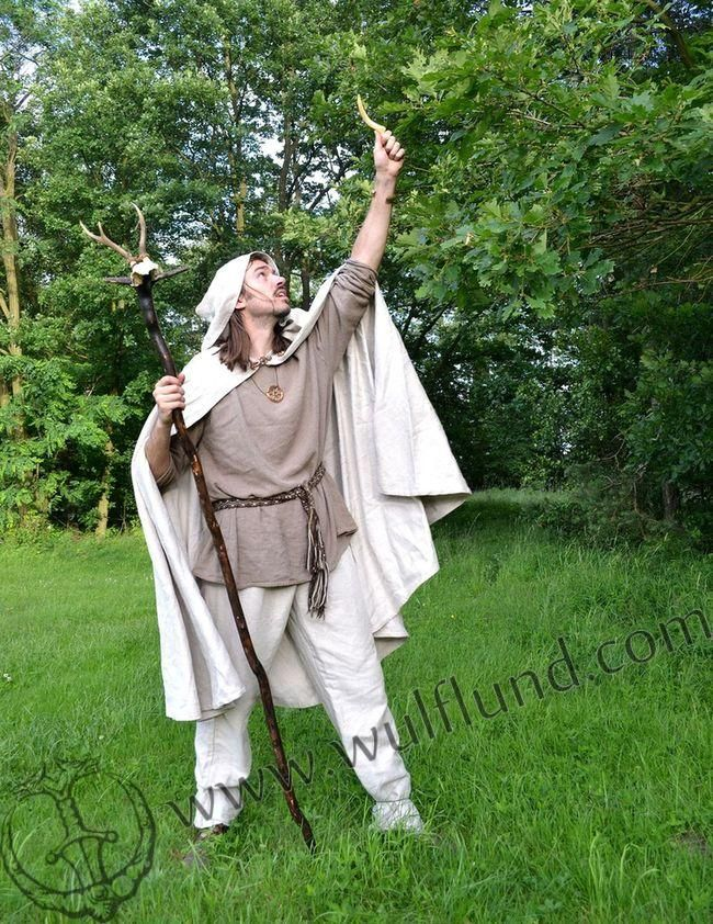 how to make a druid costume