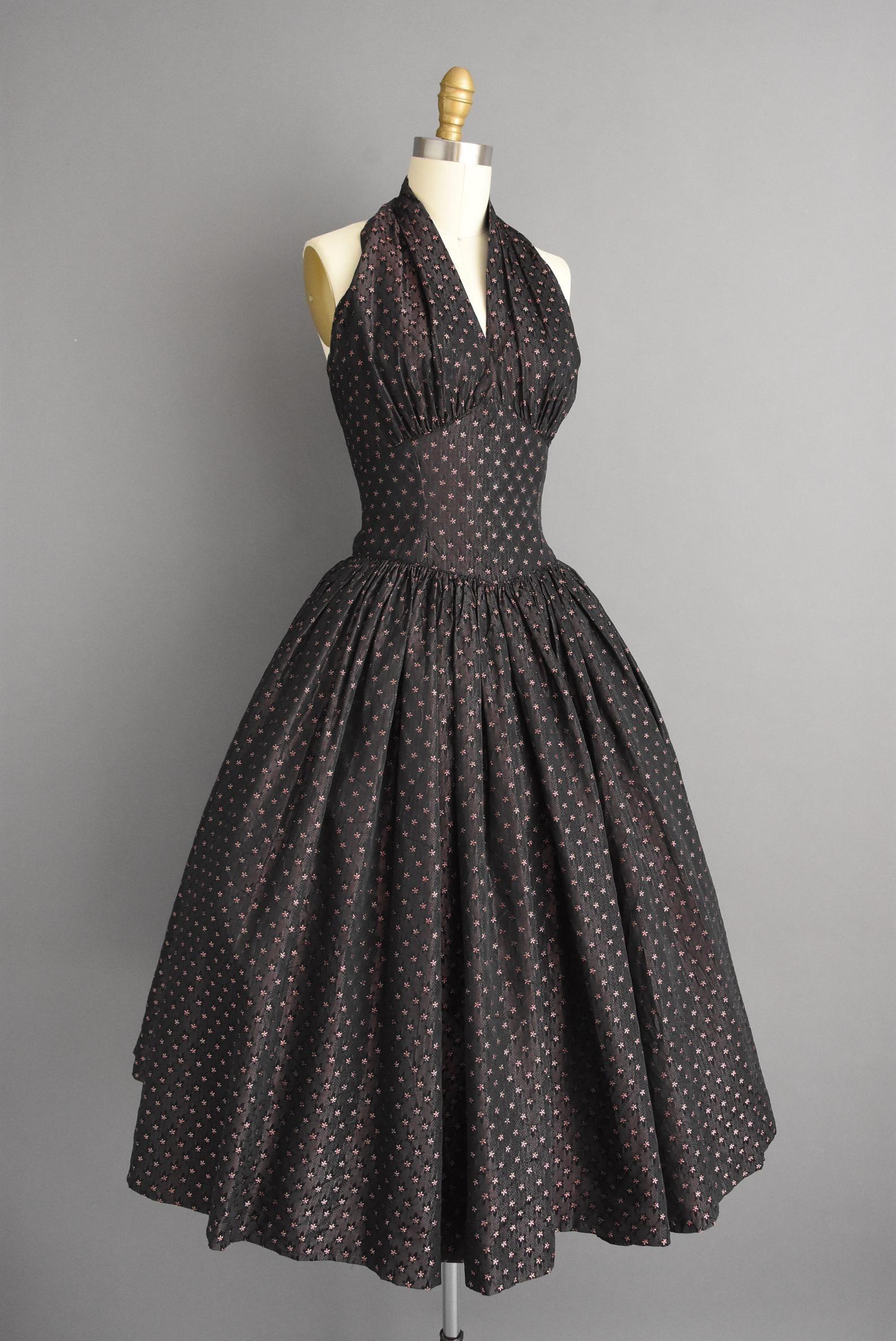 Vintage 1950s Dress Gorgeous Sweeping Full Skirt Halter Cocktail Dress Small 50s Dress Vintage 1950s Dresses Vintage Dresses 50s Gorgeous Dresses [ 2376 x 1588 Pixel ]
