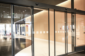 Automatic Door Make Our Life Convenient In 2020 Automatic Sliding Doors Sliding Doors Interior Design Software
