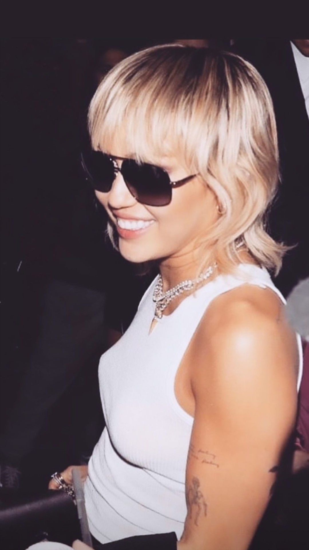 Pin By Amy Sandler On Miley Cyrus In 2020 Miley Cyrus Long Hair Miley Cyrus Hair Modern Mullet Haircut