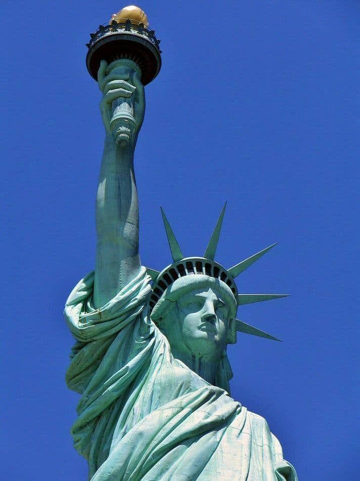 Estatua de la Libertad en Nueva York | LAY publicidad | Pinterest