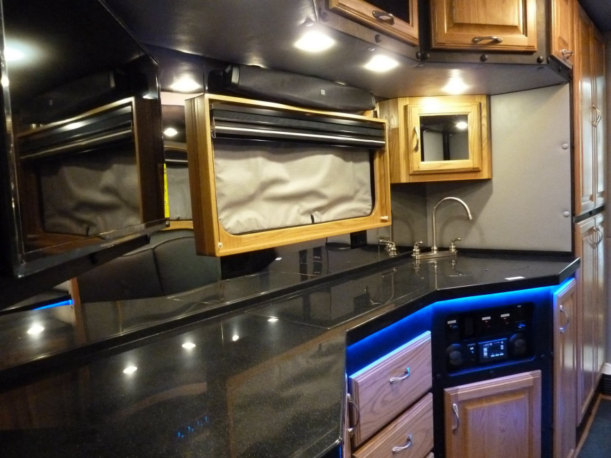 What Do Luxury Sleeper Cabs For Long Haul Truck Drivers Look Like