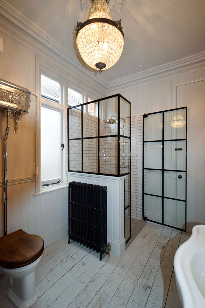 Crittall Shower Screens Made To Measure Crittall Style Doors For Bath In 2020 Shower Enclosure Shower Doors Industrial Shower Doors