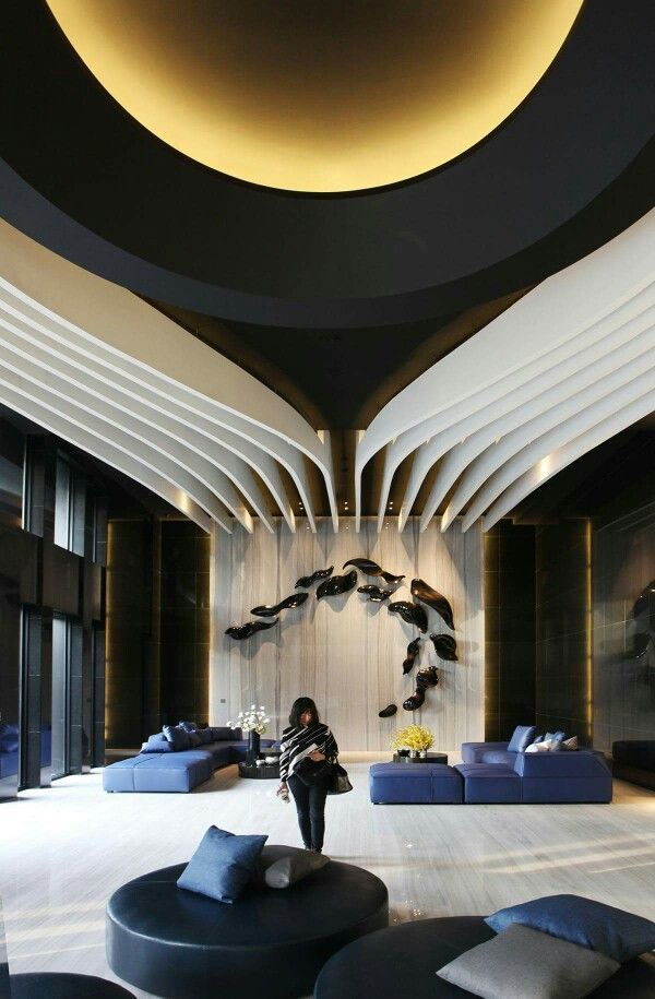 Spacious Lobby With Contemporary Design