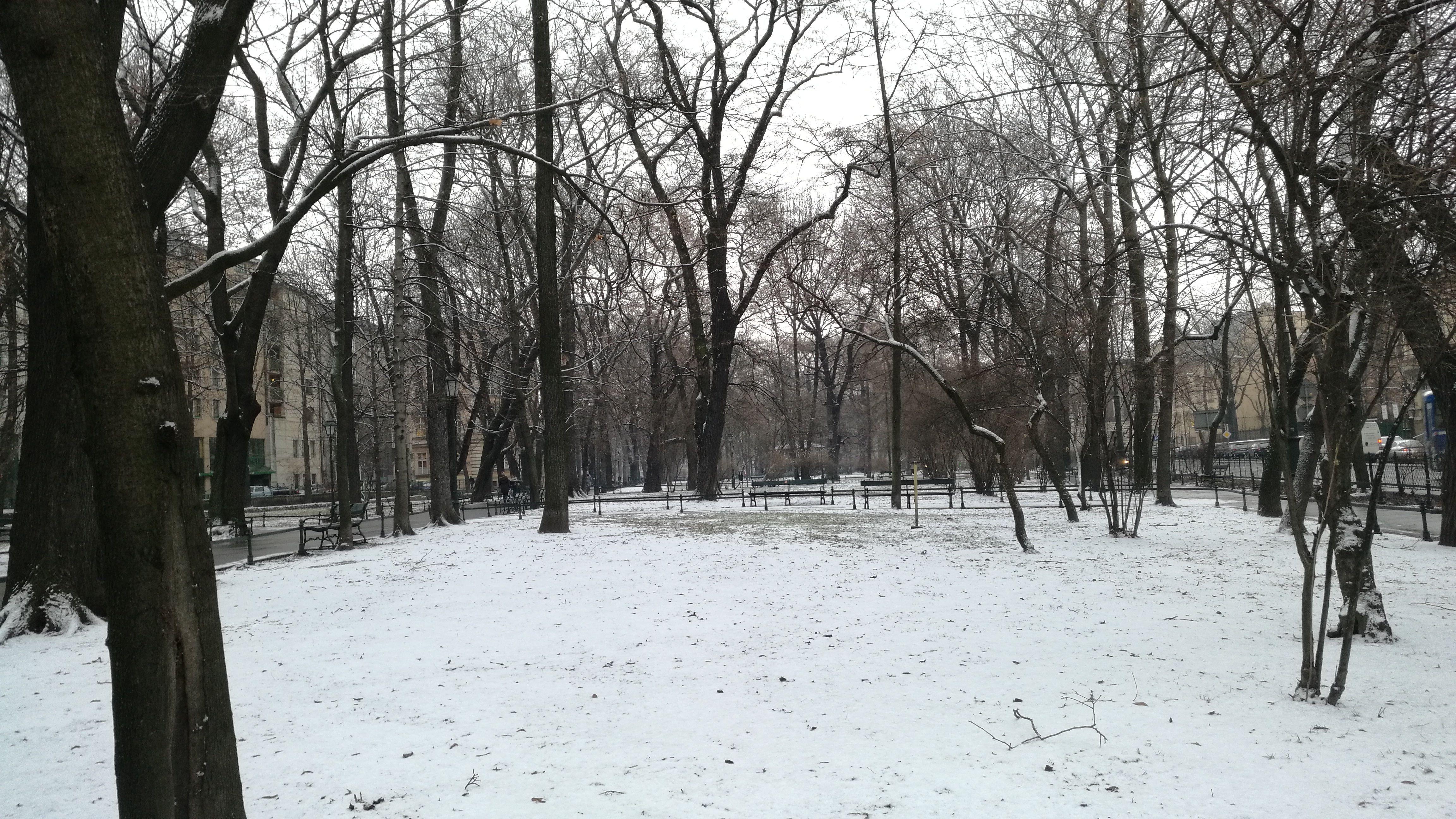 Así de nevada nos recibían las calles de Cracovia