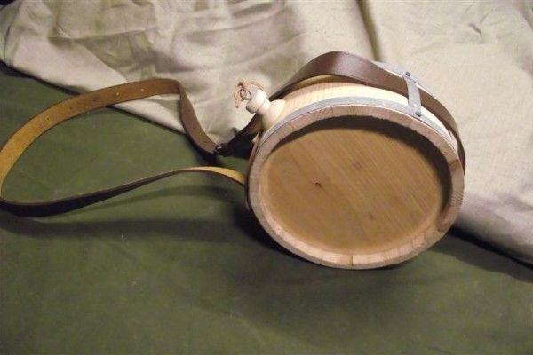 p-870-wooden_canteen_medium_.jpg