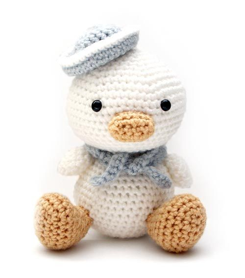 Lil Quack the Duck amigurumi crochet pattern by Little Muggles
