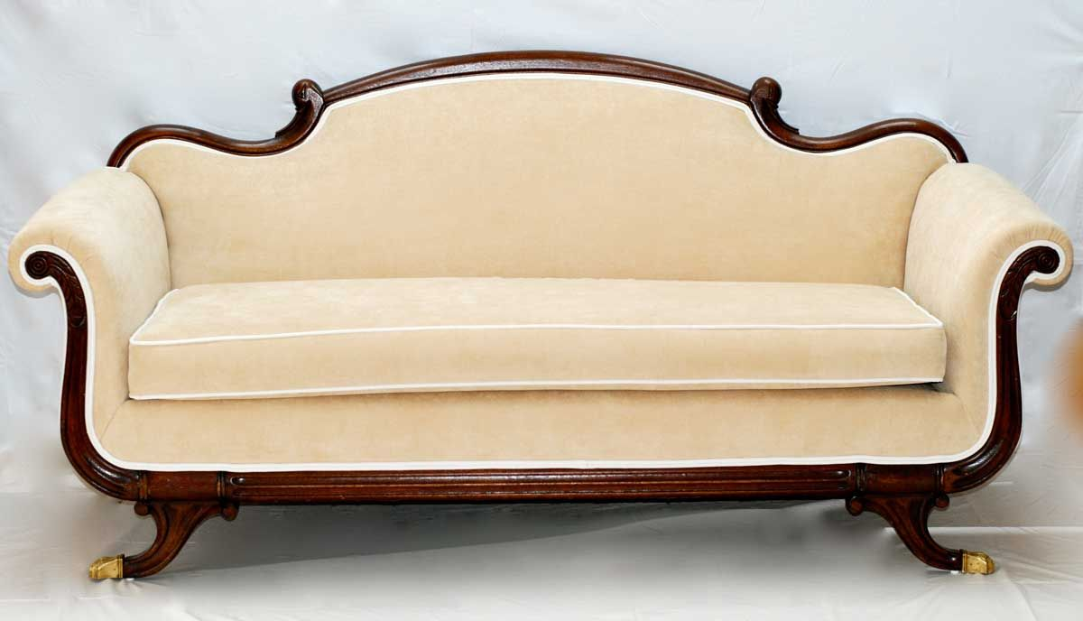 victorian sofa styles elegant unique victorian couch. Black Bedroom Furniture Sets. Home Design Ideas