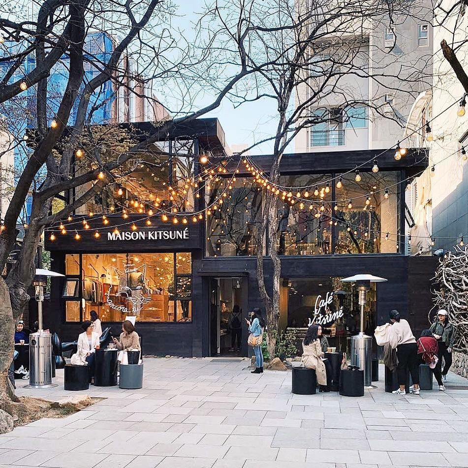 Cafe Kitsune On Instagram Our Seoul Place Enter Through An Alleyway That Opens Into An Cozy Hidden Courtyard And Have A Relaxing Moment