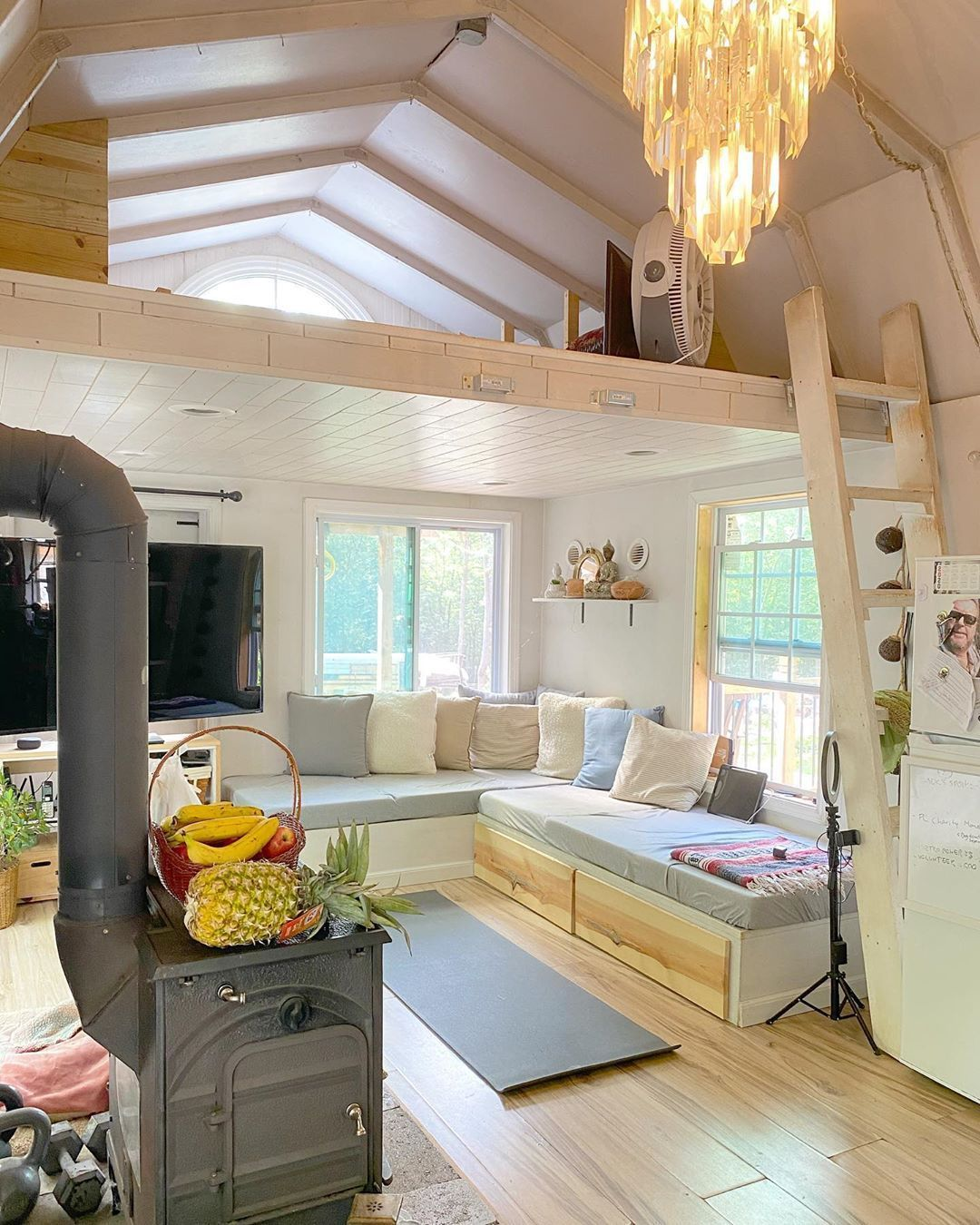 People Are Turning Home Depot Tuff Sheds Into Affordable Two Story Tiny Homes Tiny House Loft Best Tiny House Tiny House Living