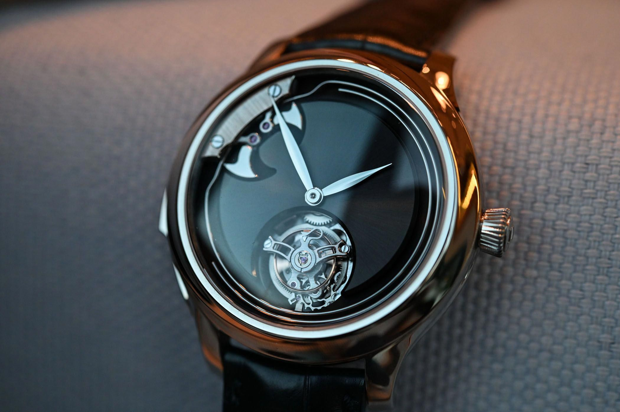 H. Moser & Cie. Endeavour Concept Minute Repeater Tourbillon (Live Pics) - Monochrome Watches #androidwatch,digitalwatch,gpswatch,sportwatch,quartzwatch,luxurywatches,elegantwatches,bestwatches,beautifulwatches,menswatches,applewatch #monochromewatches H. Moser & Cie. Endeavour Concept Minute Repeater Tourbillon (Live Pics) - Monochrome Watches #androidwatch,digitalwatch,gpswatch,sportwatch,quartzwatch,luxurywatches,elegantwatches,bestwatches,beautifulwatches,menswatches,applewatch #monochromewa #monochromewatches