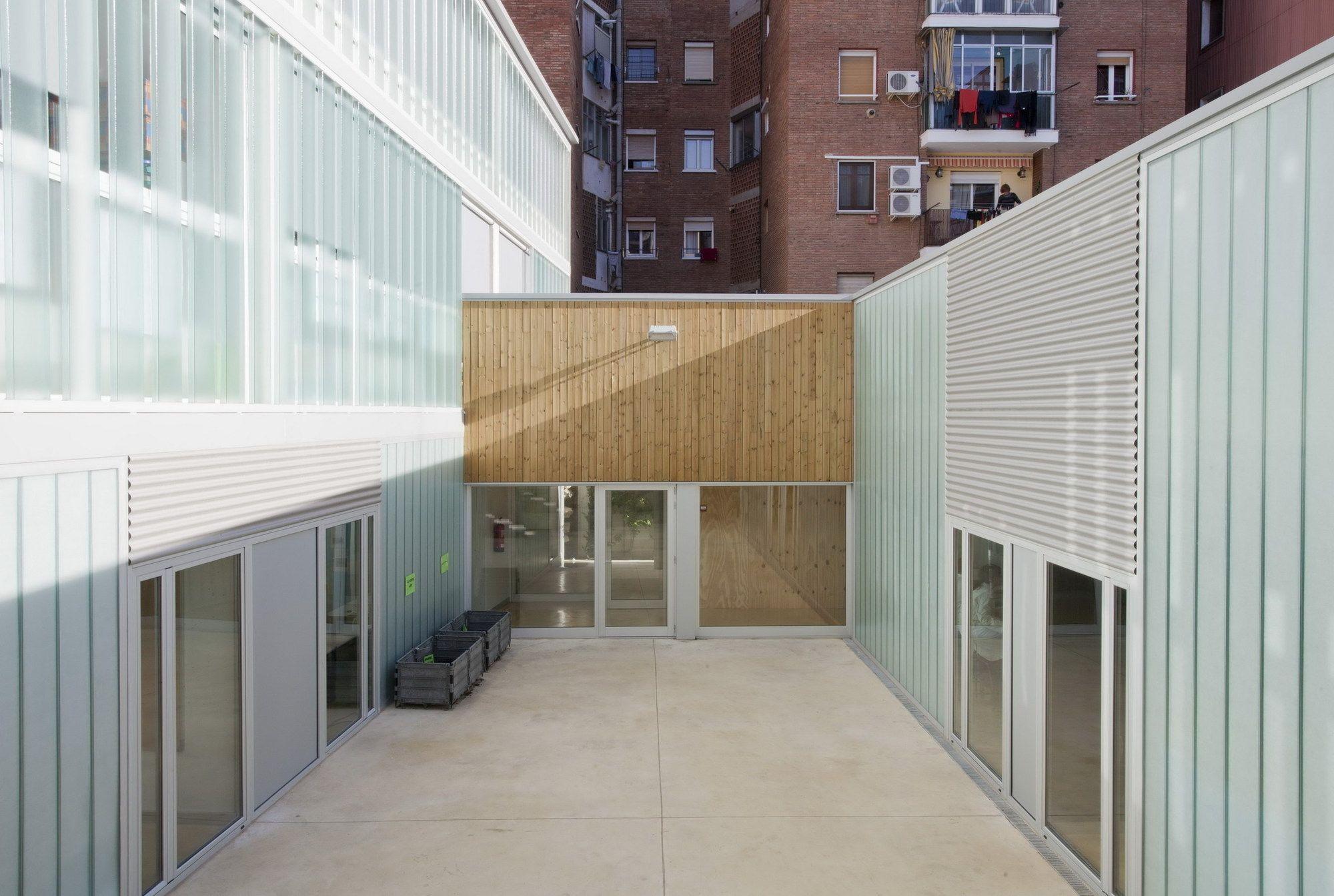 Escola em San Medir / rdl arquitectos © Marc Capilla Llop