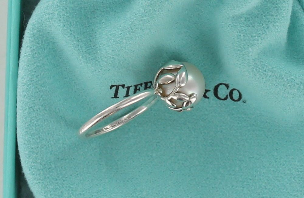 397c324a91687 Tiffany Co Paloma Picasso Olive Leaf Cultured Pearl Sterling Silver ...