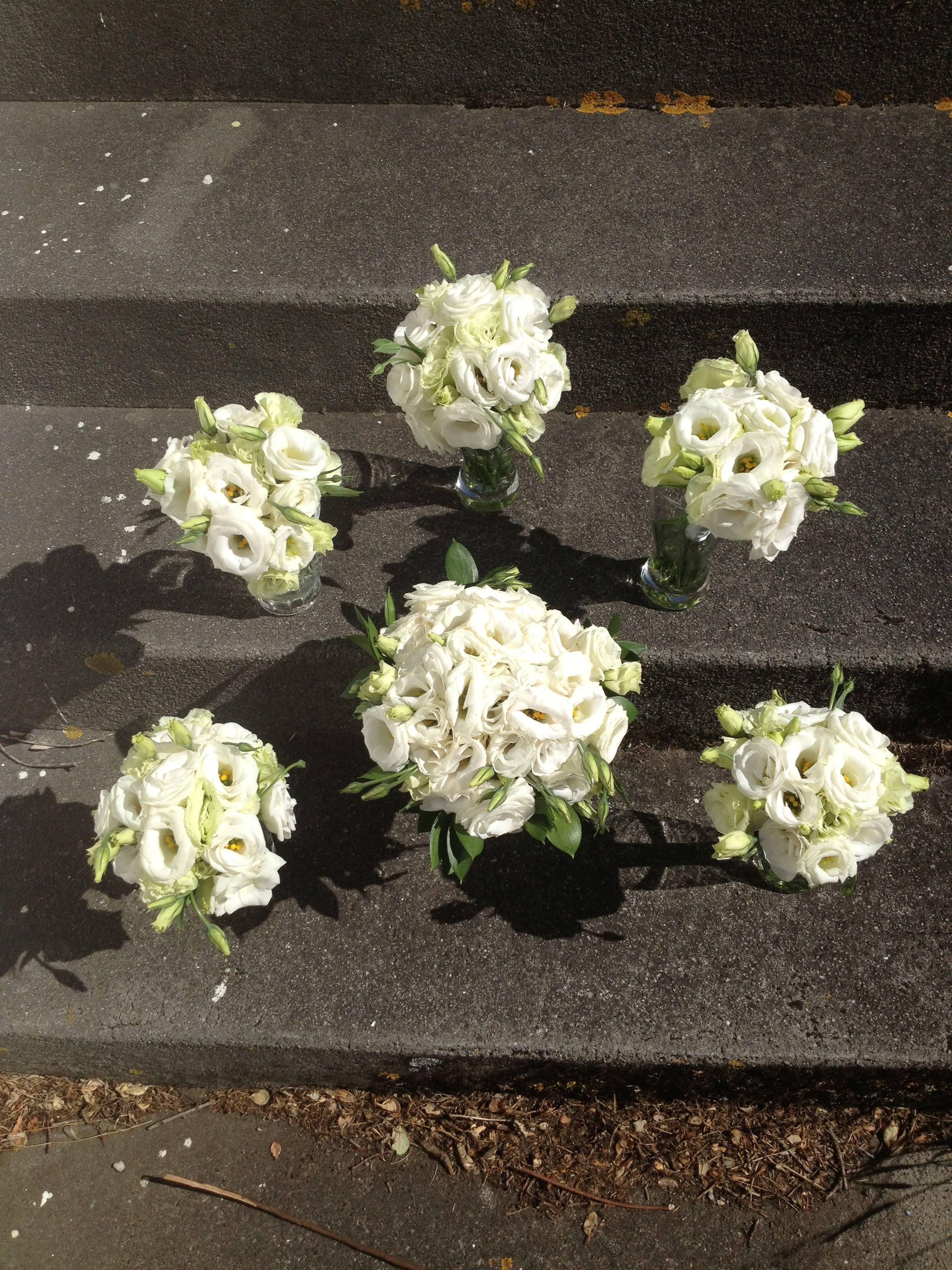 Lisianthus Bouquet For A March Wedding Inexpensive Flowers That