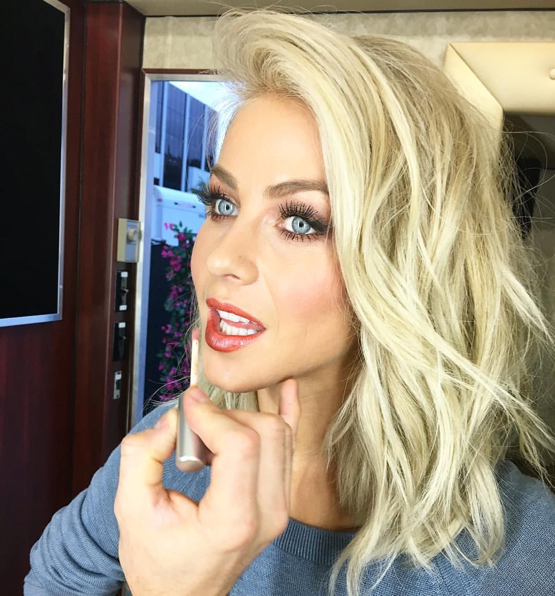 Blonde lob smokey blue eyes via julianne hough on instagram final touches for the final - Beatufiol cock peicther ...