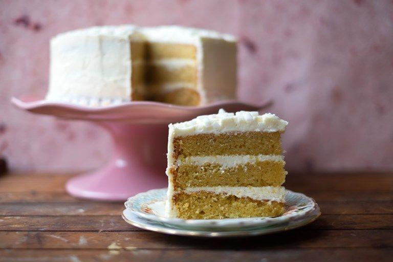 Vanilla Cake Vanilla Sheet Cakes Traybake Cake Cake Recipes Uk