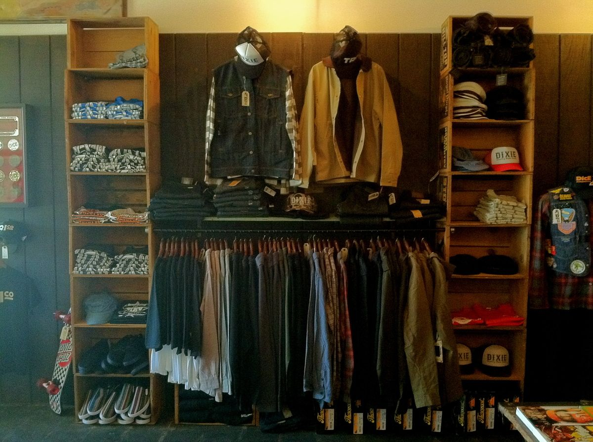 Retail clothing store fixtures