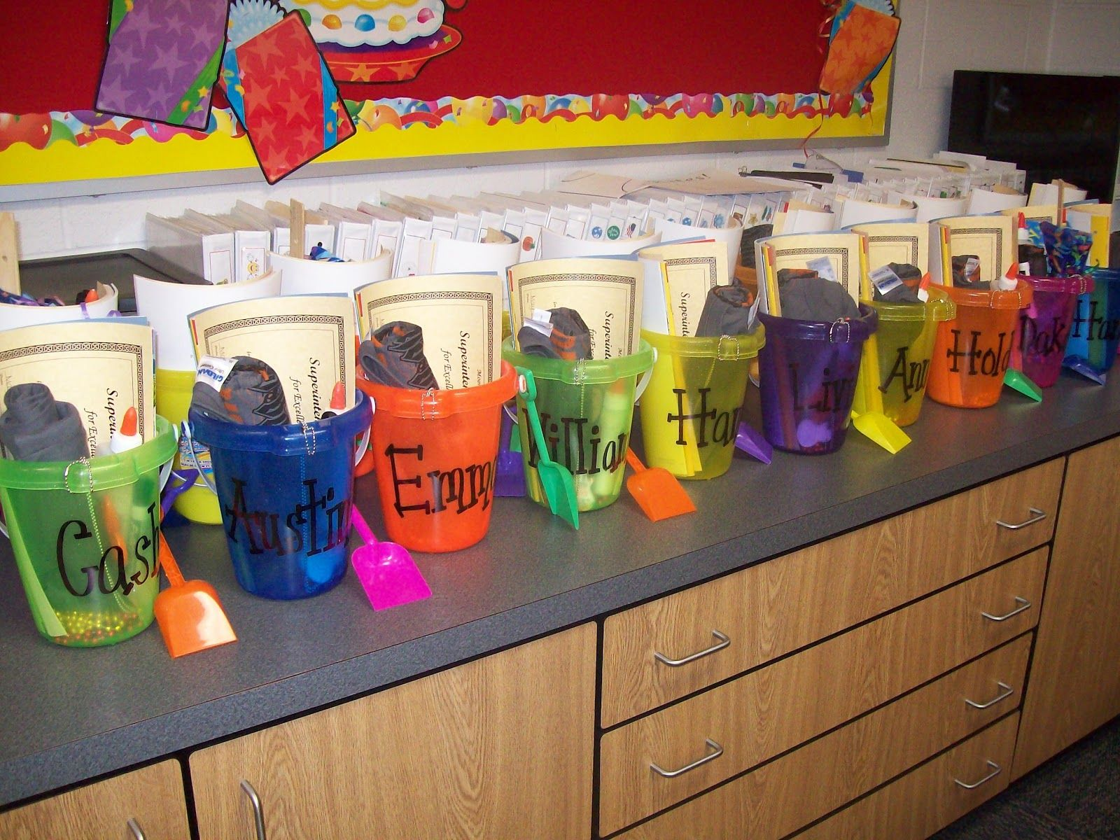 Classroom Gift Ideas For Students ~ Gift for first grade teacher gifts