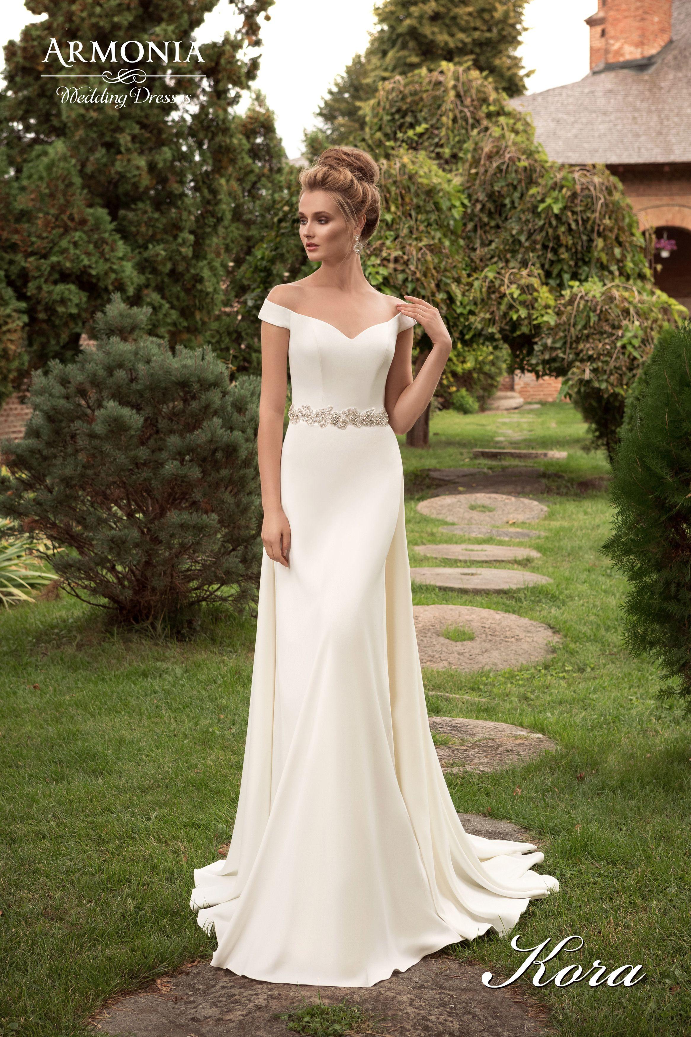 Gorgeous Wedding Dress | Wed | Pinterest | Neckline, Churches and ...