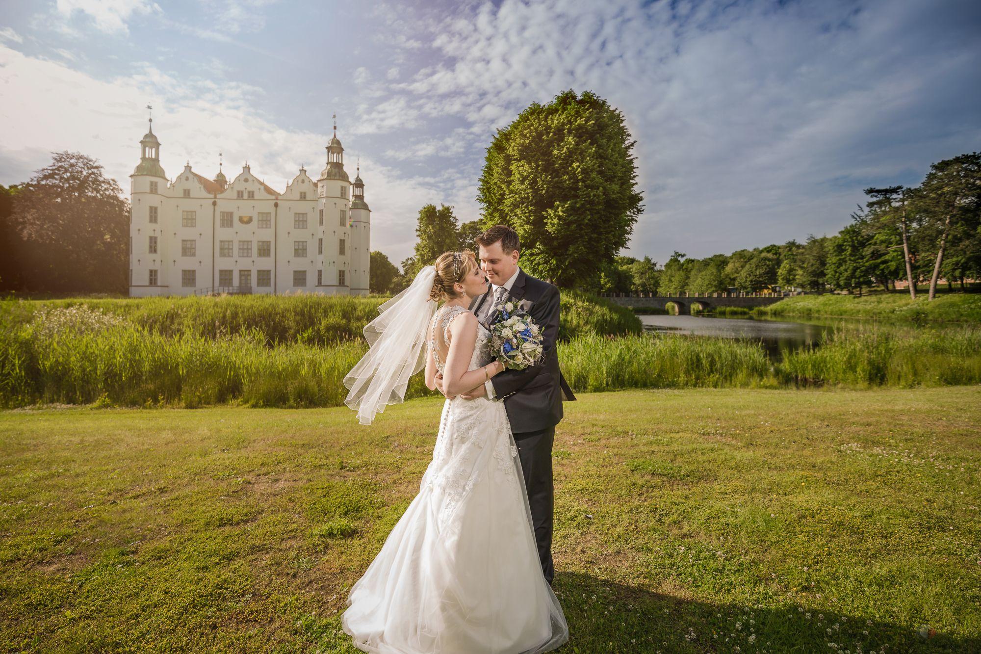 Standesamtliche Kirchliche Trauung Von Nathalie Und Heiko Hochzeitsfotografie Hochzeitsfieber By Phot Kirchliche Trauung Hochzeitsfotografie Hochzeitsfotos