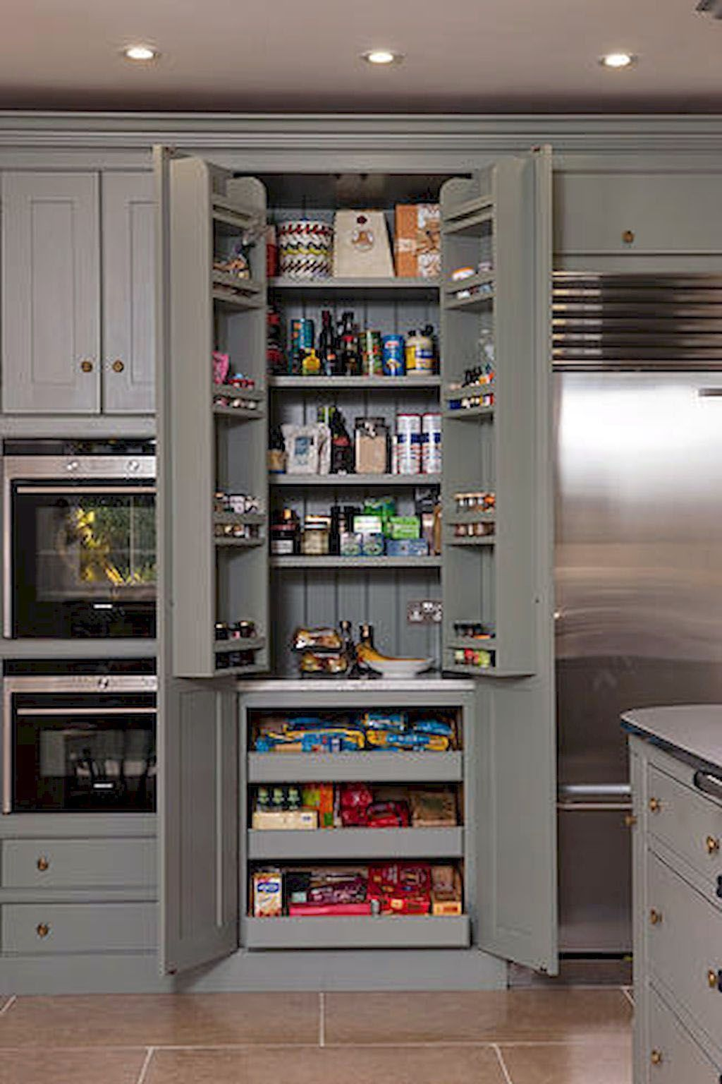 Smal Kitchen Ideas To Transform Your Portable Room Into A Smart Super Organised Space In 2020 Diy Kitchen Storage Closet Kitchen Glossy Kitchen